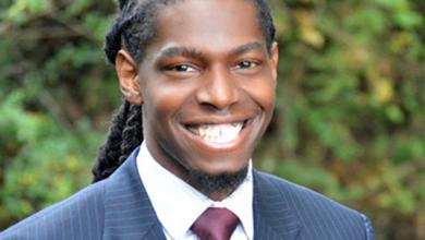 Photo of Upoznajte mladog advokata koji je odbio da osisa svoju kosu zbog karijere.